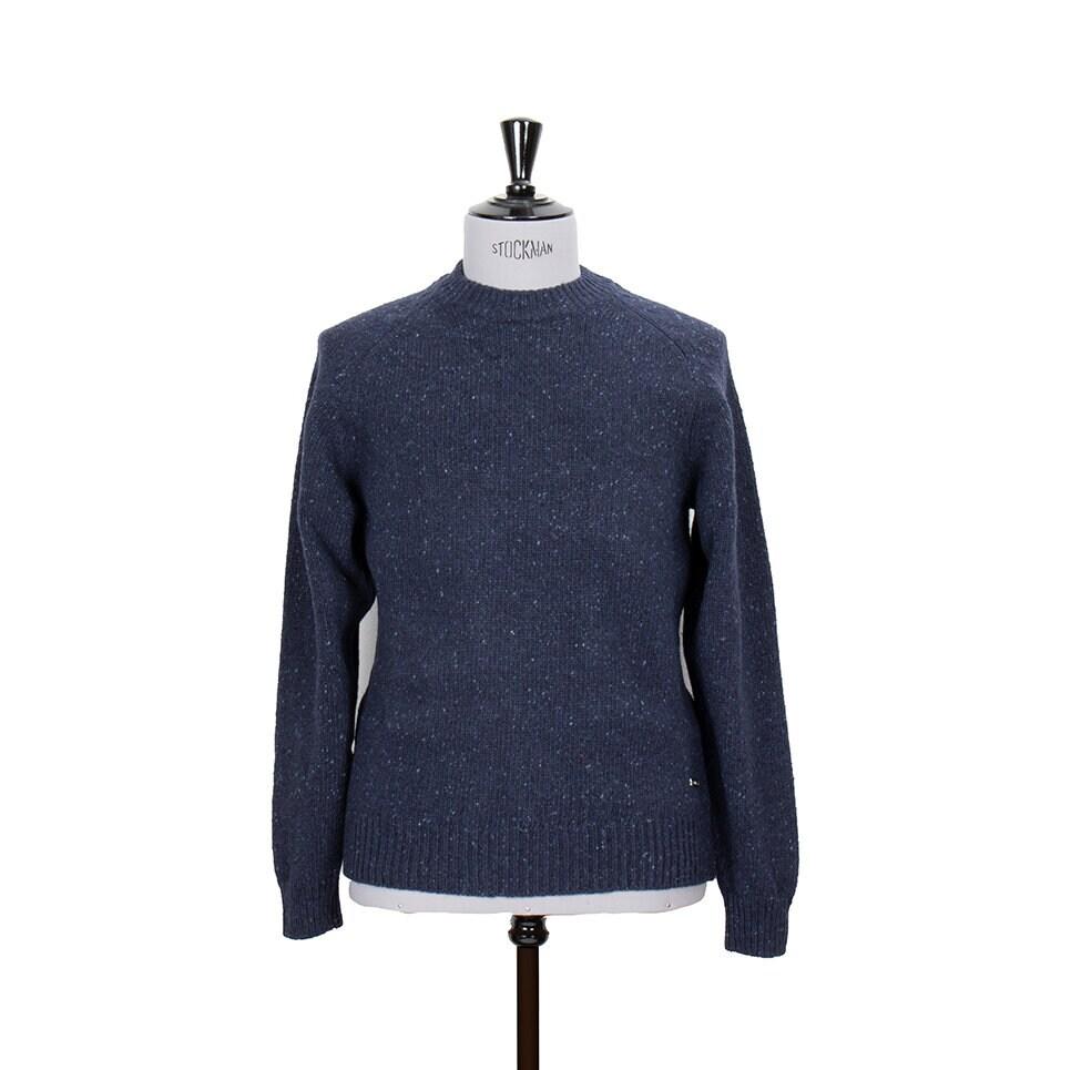 Mörkblå stickad tröja i melerat garn